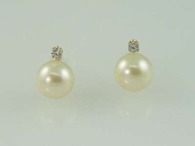 14KT Y/G 9mm Pearl and Cubic Stud