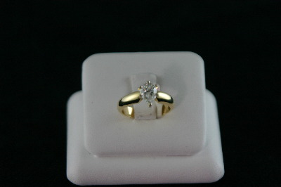 14KT Y/G Diamond Pear Shape 1.10ct color H, Clarity I1 Solitaire
