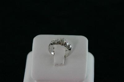 14KT White Gold 4 Diamond 0.35ct/Center Diamond 0.30ct Ring