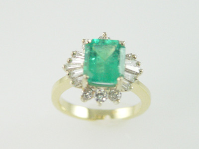 14KT Y/G Ballerina Round & Baguette Diamonds 1.20ct Emerald Cut Emerald 2.76ct.