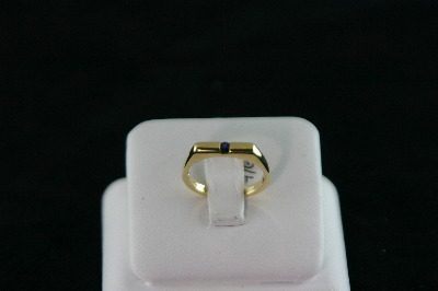 14KT White Gold ChannelSset Round Sapphire 0.10ct - square top Ring