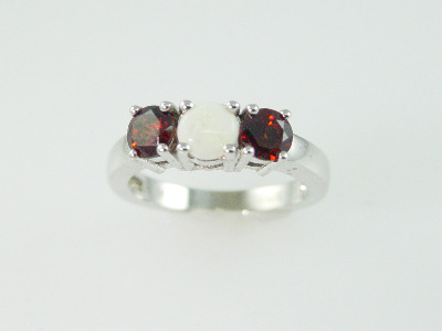 14KT Y/G One Opal 0.35ct Two Garnets 1.25ct Ring