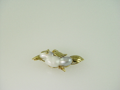 14KT Y/G Biwa Pearl Parrot with Diamond Eyes 0.03ct Pendant