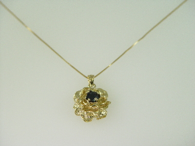 14KT Y/G Sapphire 0.65ct Rose Pendant
