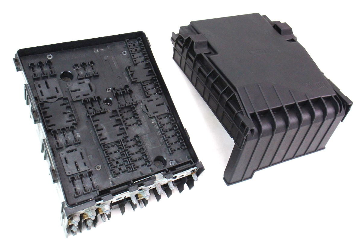 Fuse Relay Block VW Jetta GTI MK5 2.0T Under Hood Engine Bay Box 1K0 937 ...