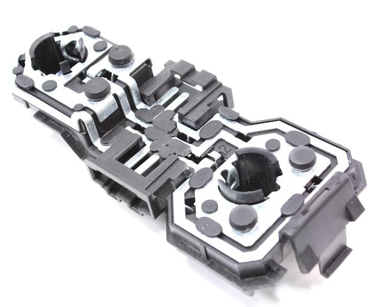 Inner Tail Light Bulb Holder Socket Tray 93-99 VW Jetta MK3 - 1H5 945 259