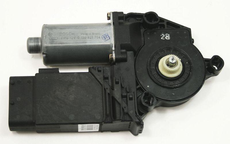 RH Front Power Window Motor 02-05 VW Golf MK4 - 1C1 959 802 A