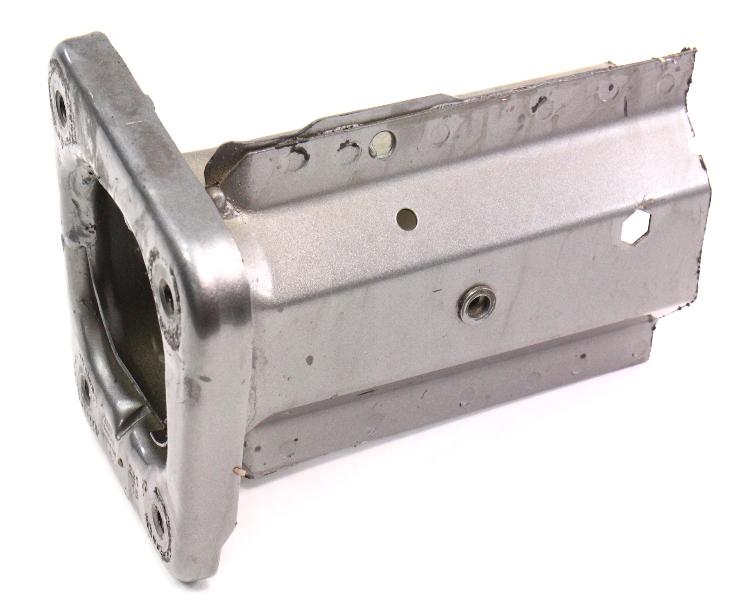 RH Frame Horn End Bracket 01-05 VW Passat B5.5 Lower Rail Section . 8D0 805 748