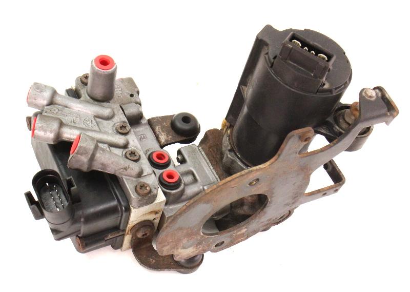 ABS Pump Module Assembly 1995 VW Cabrio MK3 - 10.0203-0063.3 / 0101100630026136