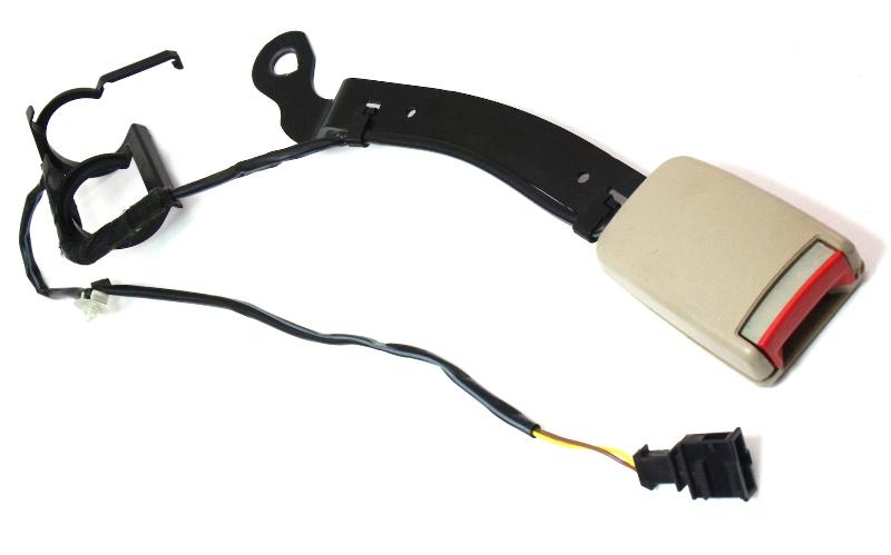 Driver Front Seat Belt Receiver VW 99-01 Jetta Golf MK4 SeatBelt ~ 1J4 858 471 D