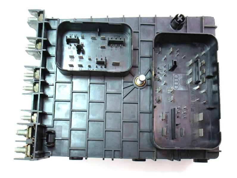 engine bay fuse relay box 06 08 vw passat b6 2 0t