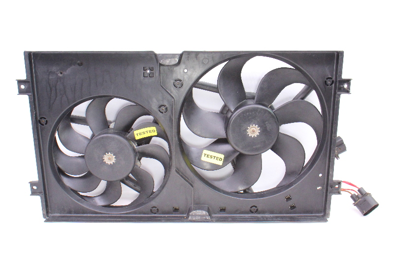 Engine Radiator Dual Cooling Fans 98-05 VW New Beetle & Shroud ~ Genuine ~