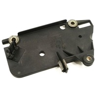Change Over Valve Holder Plate Audi A4 B6 A6 3.0 V6 - 06C 133 365 A