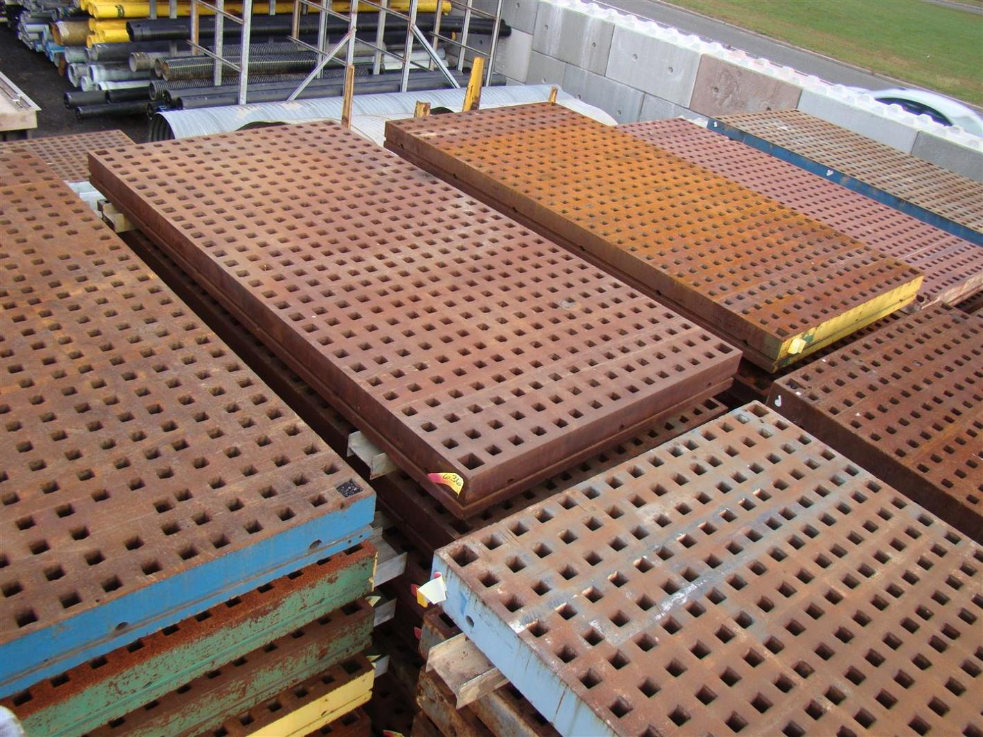 A Grade 5 Ft X 10 Ft Acorn Welding Platen Layout Table