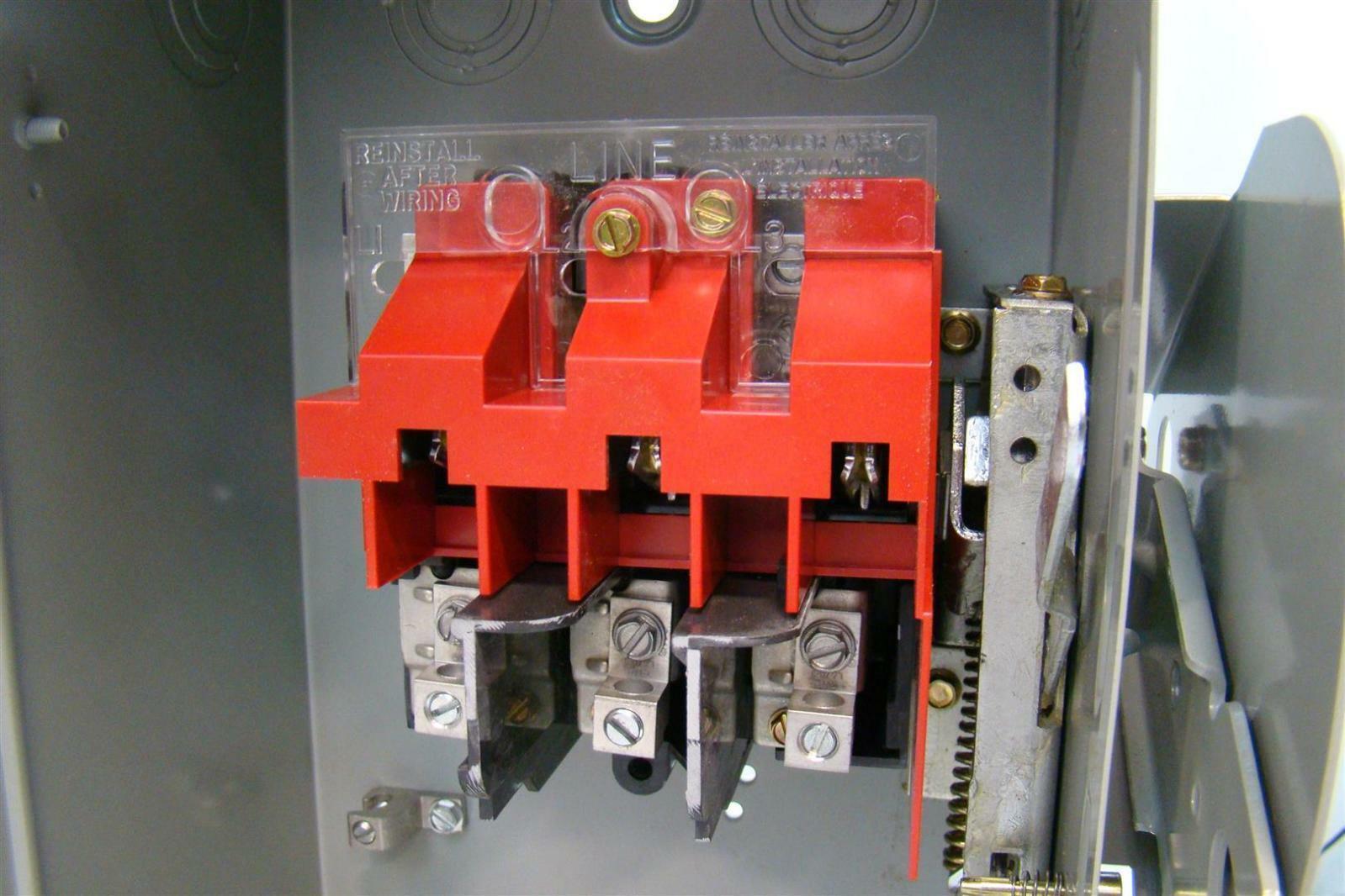 Eaton Cutler Hammer Heavy Duty Safety Switch 600v 30a 60hz