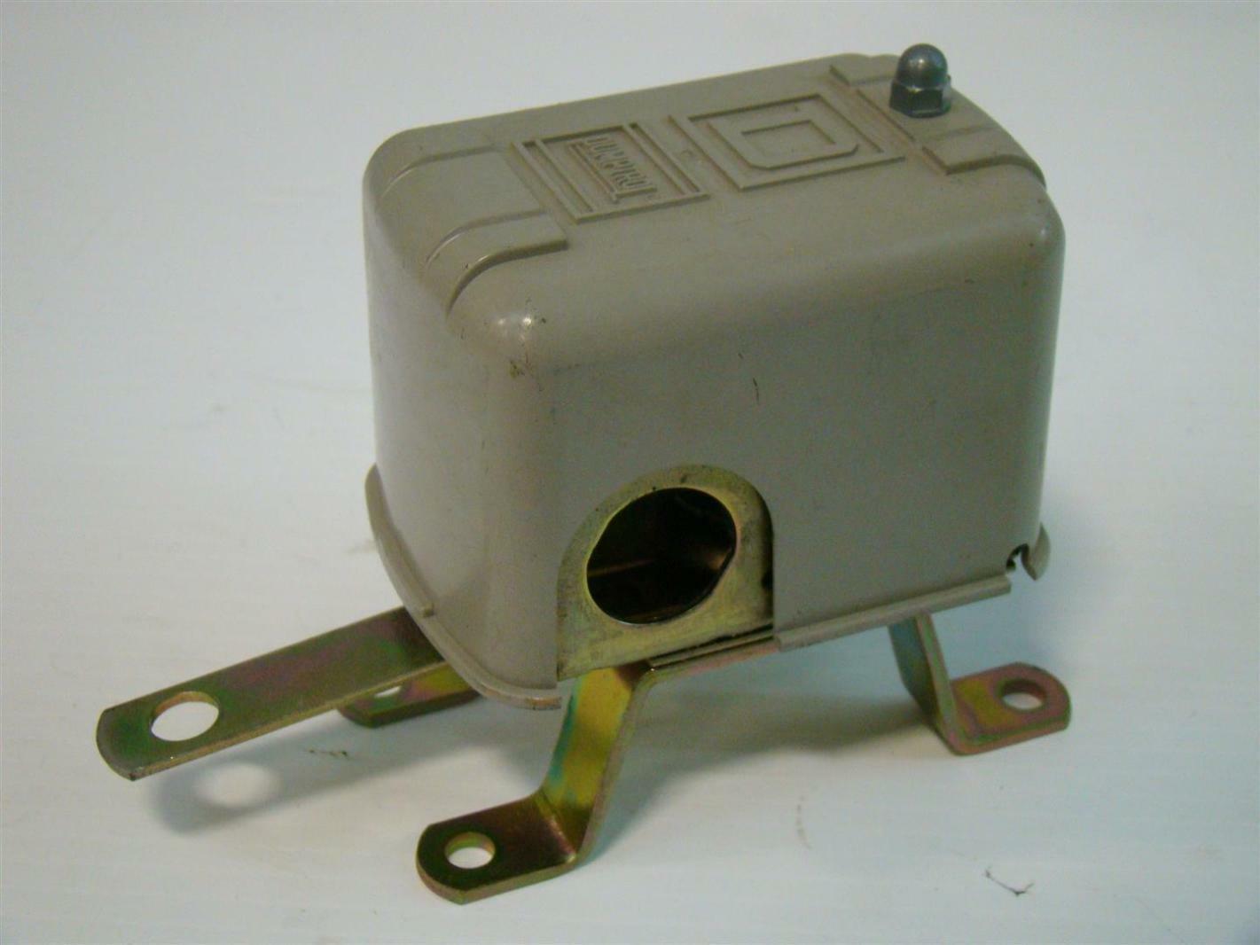 Pumptrol Square D Pressure Switch 1PH 115/230V 1/2HP 1/4HP 9036