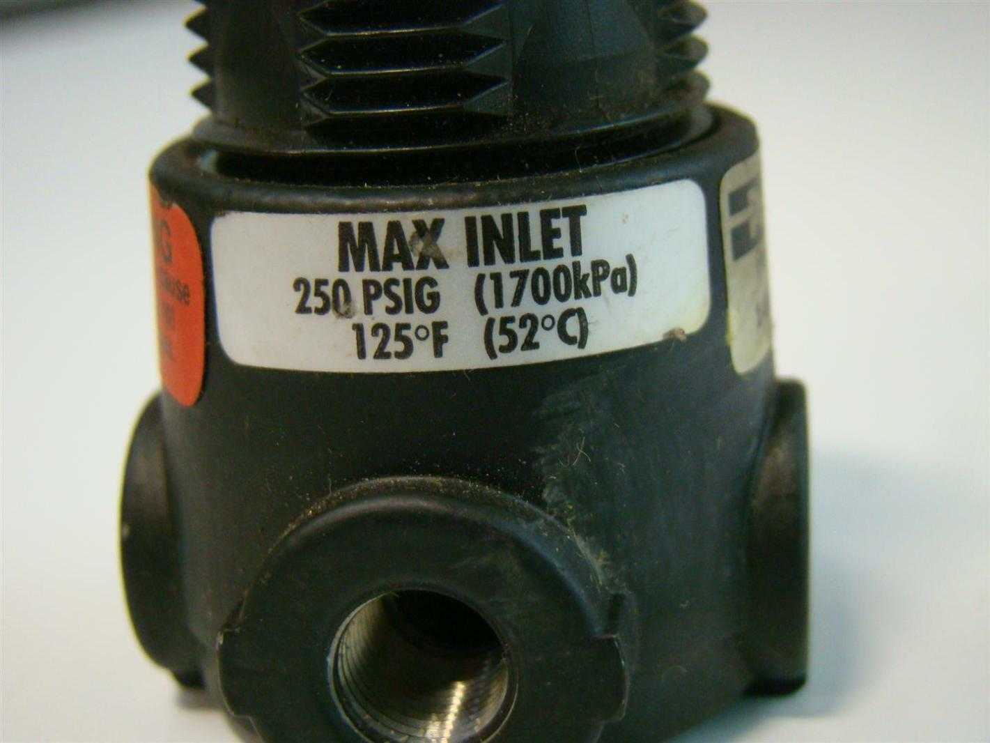 Parker Pneumatic Regulator 1 8NPT 250 PSIG 14R013FC