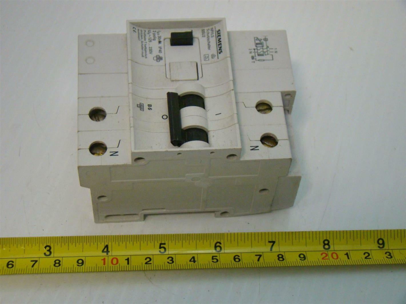 Siemens Miniature Circuit Breaker 6a Din Mount 125 230v 5su3 Breakers Images Photos
