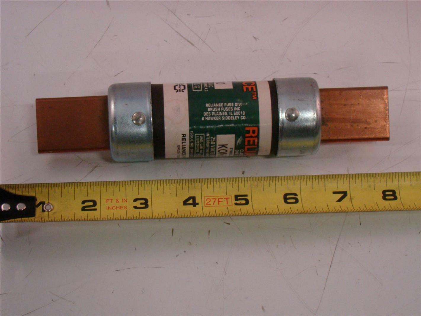 9pcs  Condensatore elettrolitico THT 27uF 400V Ø10x30mm ±20/% 2000h