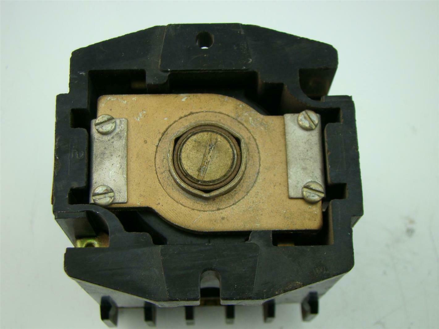 SQUARE D 8501 TYPE H8.22 12A 110V 50//60HZ CONTROL RELAY NIB