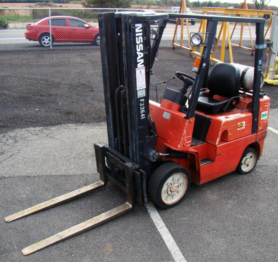 Nissan 50 4,400# LP Forklift Model CPJ02A25PV