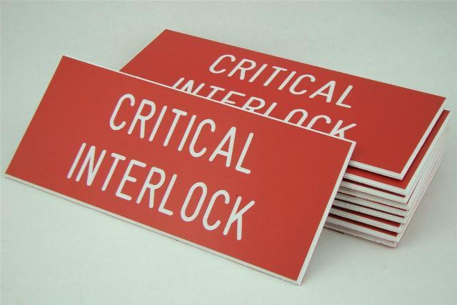 10 7x4 Critical Interlock Adhesive Tag