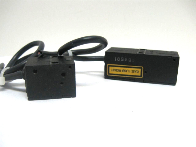 Omron Z4LB-CV2 Z4LB-S10V2 Parallel Beam Linear Laser Sensor