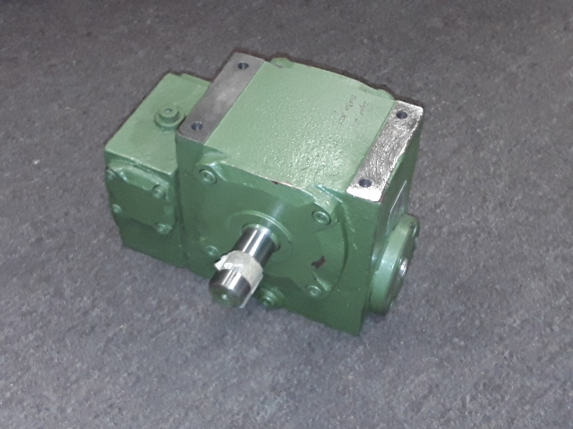 Worm gear Left hand 30:1 new