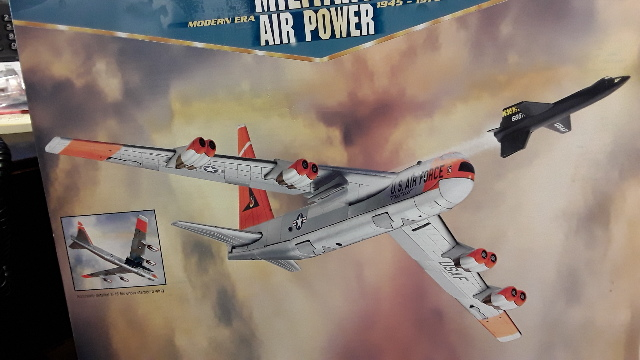 Corgi Boeing NB-52B with X-15 Edwards AFB, CA. 1:144 Scale - LE 285/5000