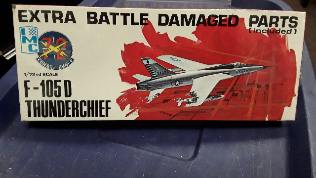 F-105D Thunderchief 1/72 Scale,72nd Combat Group with Extra Battle Damaged Parts.