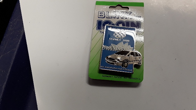 2000 Sydney Olympic Pin - GM Marathon Pace Vehicle w/blinking lights