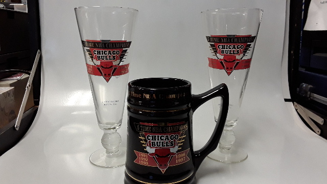 Chicago Bulls Memorabilia: 1 Mug and 1 Beer Glasses.  All New.
