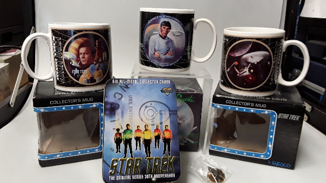 Lot of 5  Star Trek Mugs: Kirk, Spock, Enterprise, 1 Star Trek Insignia Pin & Metal cards