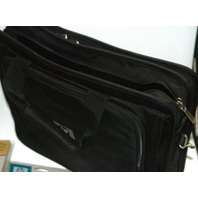 HP Nylon Carrying Case with Travel mouse and AC Adpator