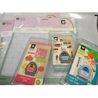 Cricut : 2 packs of 2 Cutting Mats, 3 Cartridges 2 are limited editions - All new