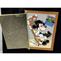 Disney Collectible Pin LE 250 - Mickey's dressing room door - hinged w/Mickey inside