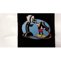 """Disney Collectible Pin """"Mickey Talking on old fashion Pone"""" DP00930"""