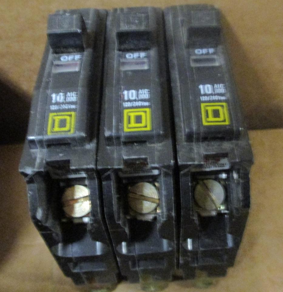 Lot of 14 Square D Circuit Breakers 30 Amp, 20 Amp, 15 Amp | Daves ...