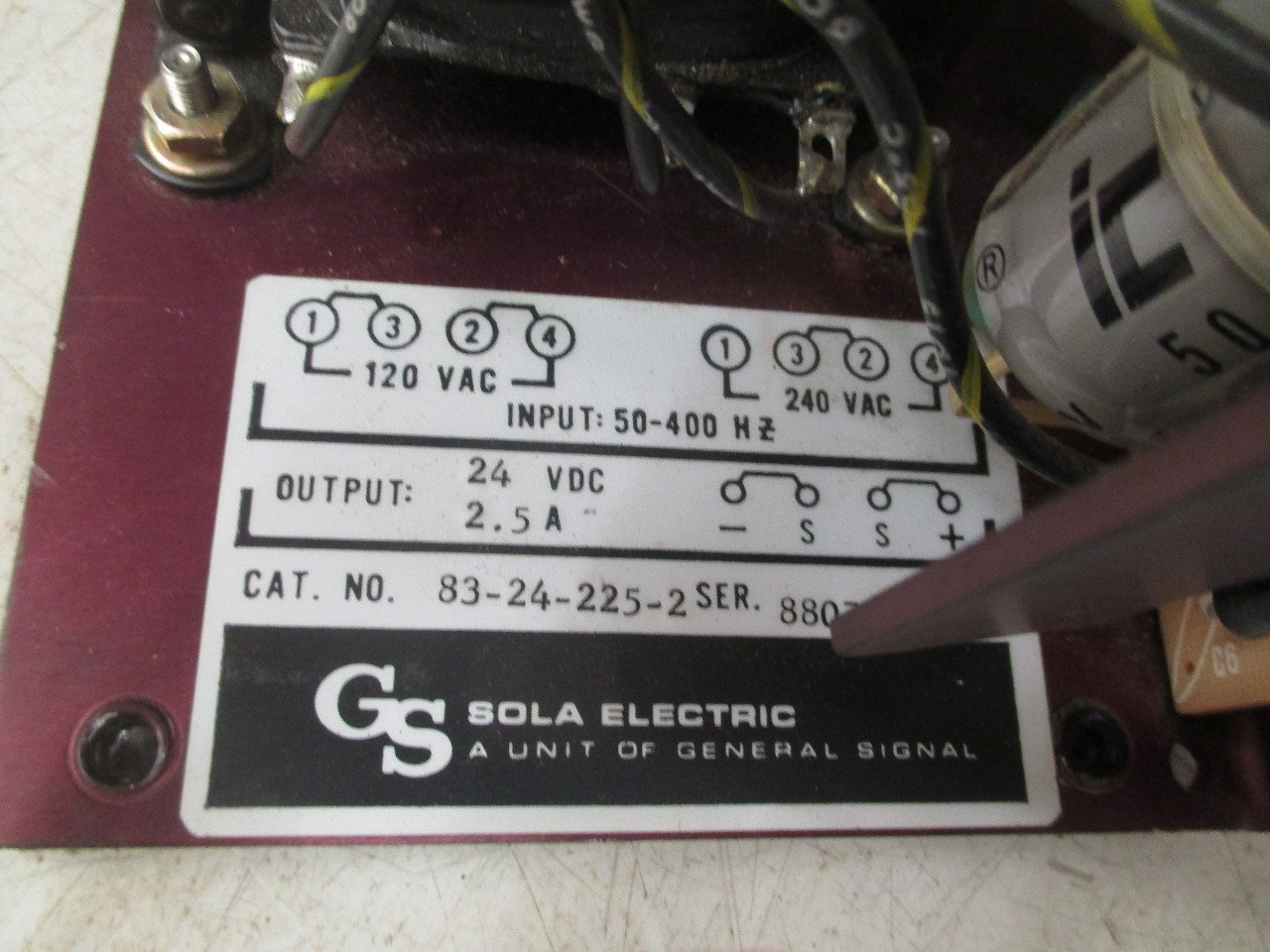 SOLA ELECTRIC POWER SUPPLY 2 5AMP 50-400HZ 24VDC