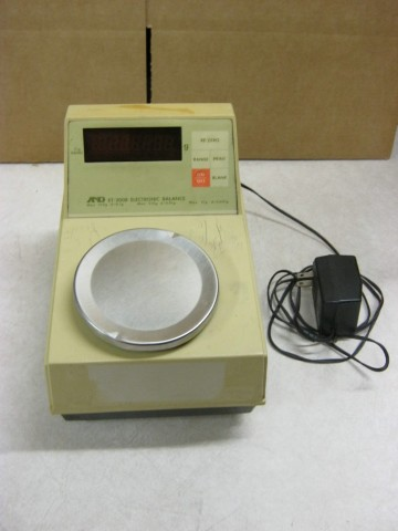A & D  Electronic Balance  Model: ET - 300B w/ Power Supply