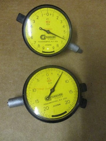 Lot of 2 Standard Dial Indicators D1-23271-A and D1-23281-A