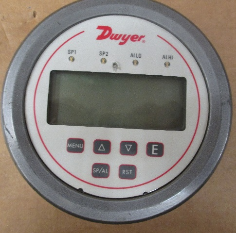 Dwyer DH3-003 Digital Panel Pressure Meter