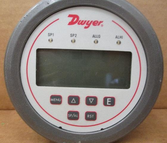 Dwyer DH3-005 Digital Panel Pressure Meter,