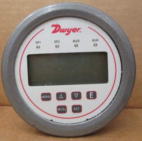 Dwyer DH3-002 Digital Panel Pressure Meter