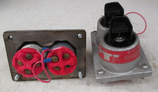 Crouse Hinds DSD960 M83 Control Assembly Cover for Hazardous Locations  (Lot of 2)