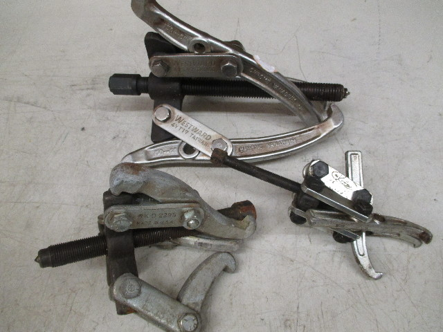 **Lot of 3** Pullers (1) Westward 4YT17 2 or 3 ton; (1) K-Tool KtI-70321 and (1) K-D 2295