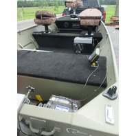 2010 Lowe boat with 2010 Yacht Club Trailer, 2010 Mercury 9.9 Fourstroke Ouboard motor and more