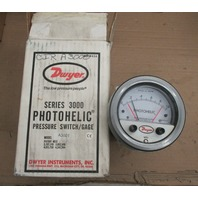 Dwyer Photohelic 3000 Series A3001