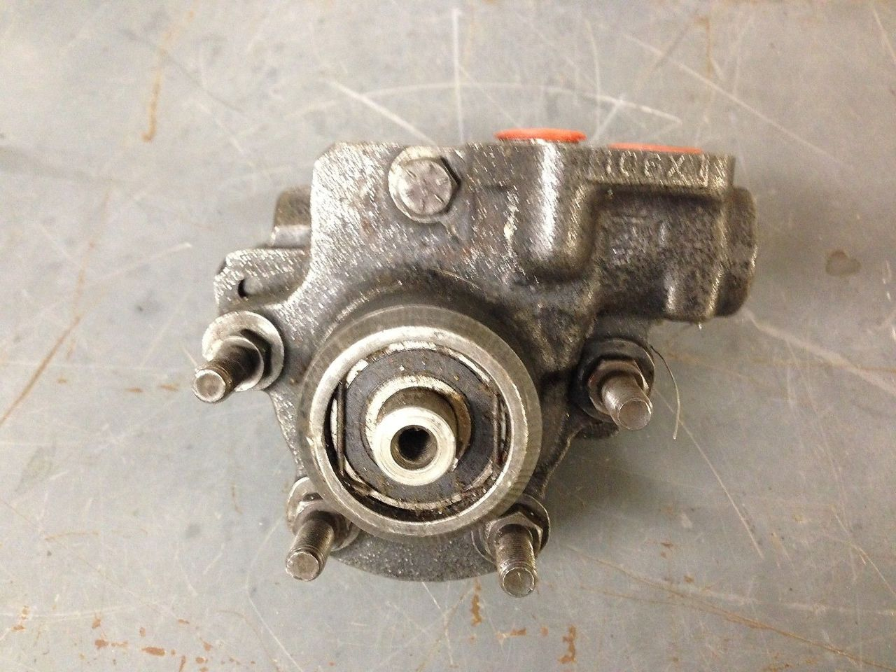 Ford 78-86 CL CLT Power Steering Pump E1HT-3A691-MA s#28-2)