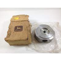 John Deere R126002 Hub R129557 (S#23-2)